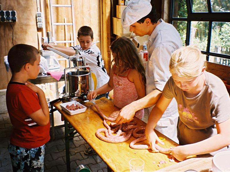 Ein Dorf für Kinder und Tiere