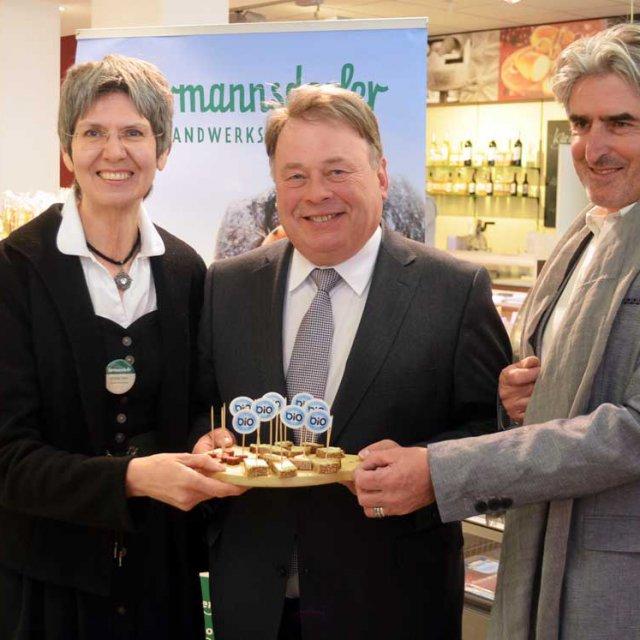 """Landwirtschaftsminister besucht Biomarkt """"Vier Jahreszeiten"""""""