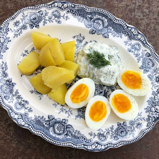 herrmannsdorfer Eier mit grüner Sauce