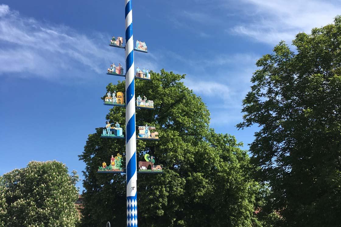 Herrmannsdorfer Maibaum